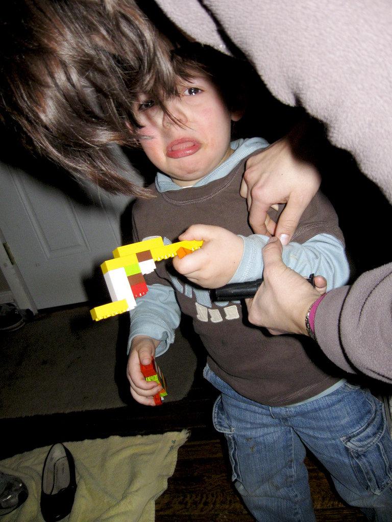 How to Handle a Child Temper Tantrum